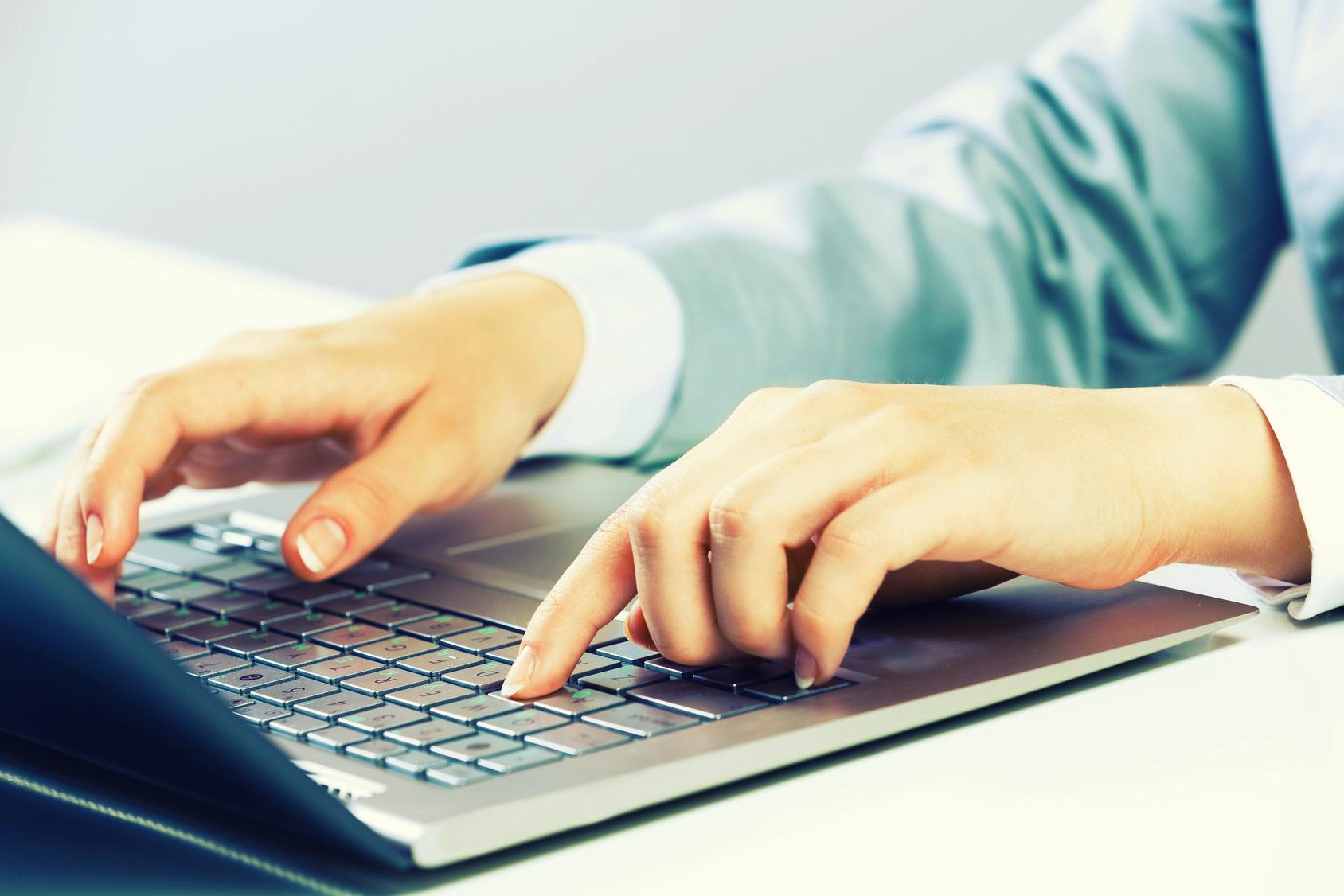 Pessoa Blogando